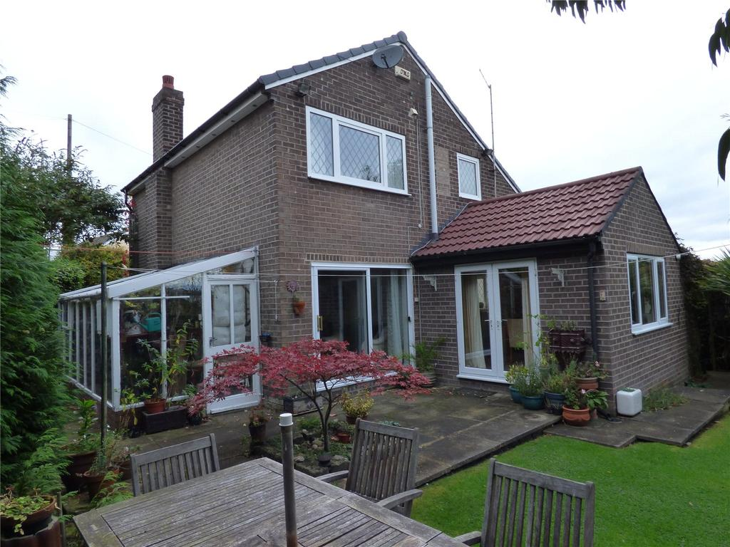 5 Bedrooms Detached House for sale in Ashbourne Avenue, Cleckheaton, BD19
