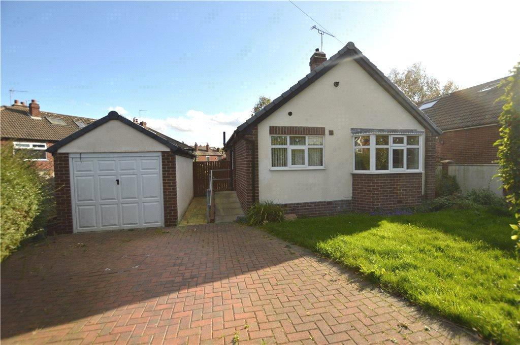 2 Bedrooms Detached Bungalow for sale in Lynwood Avenue, Woodlesford, Leeds, West Yorkshire