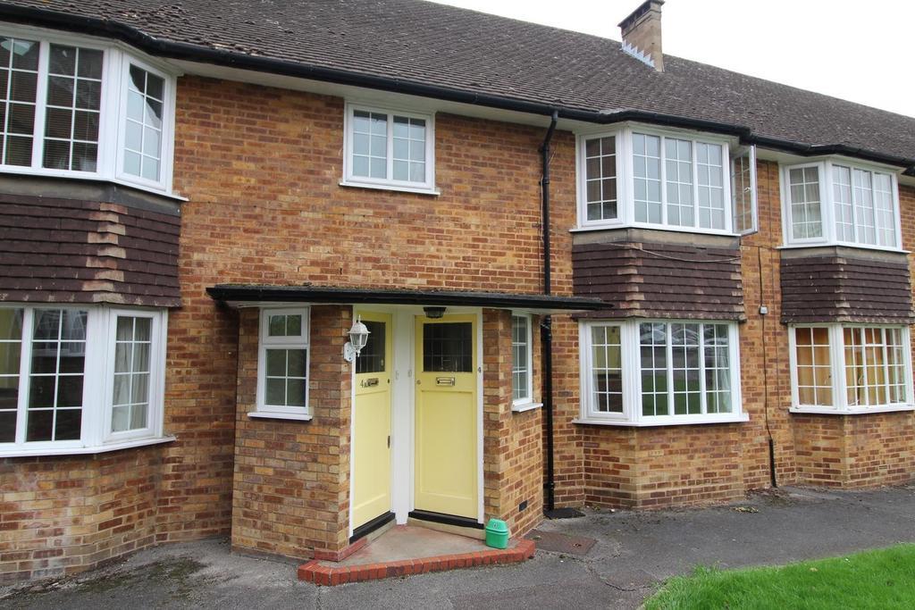 1 Bedroom Ground Maisonette Flat for sale in Waldegrave Court, Upminster, Essex, RM14