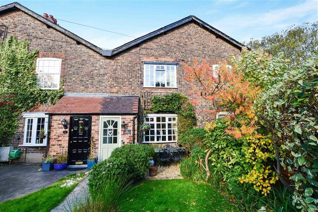 2 Bedrooms Terraced House for sale in Grove Lane, Hale, Cheshire, WA15