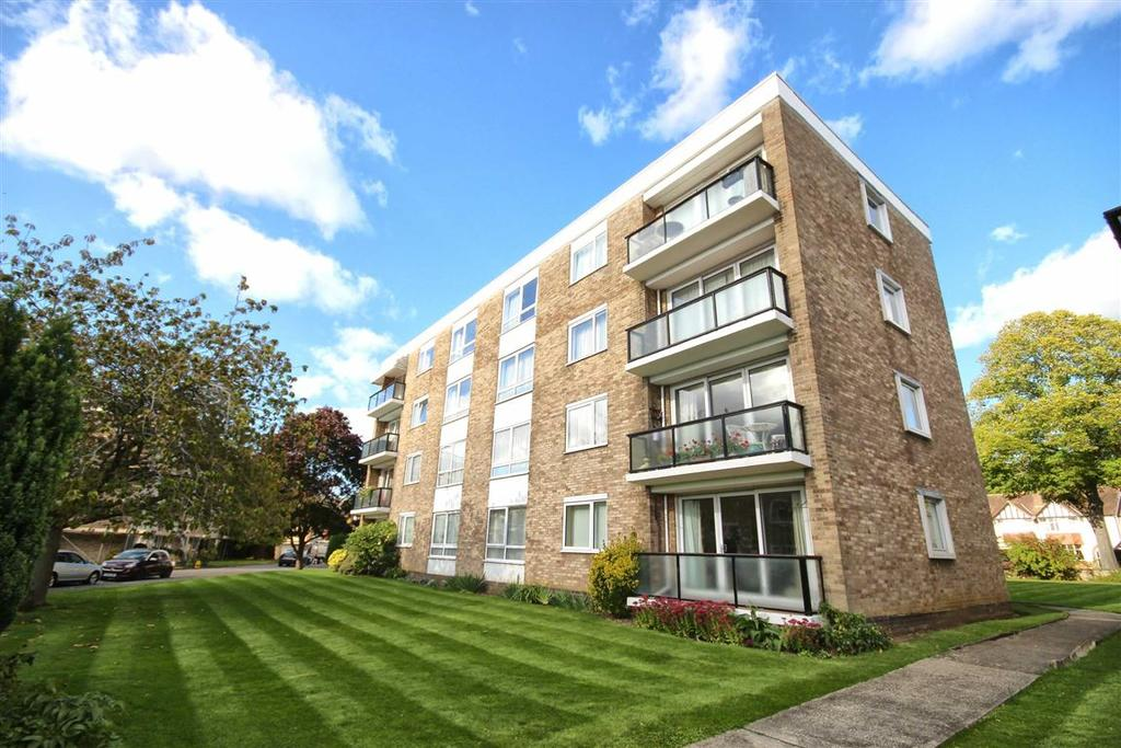 2 Bedrooms Flat for sale in Queens Road, Christchurch, Cheltenham, GL50