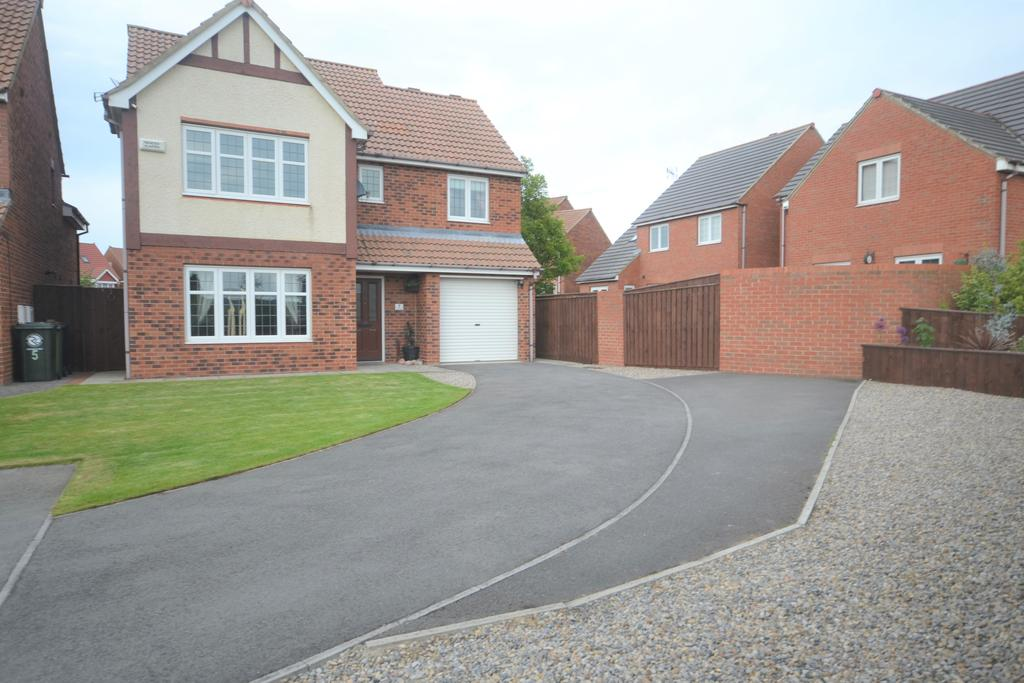 4 Bedrooms Detached House for sale in Exmouth Close, Redcar TS10