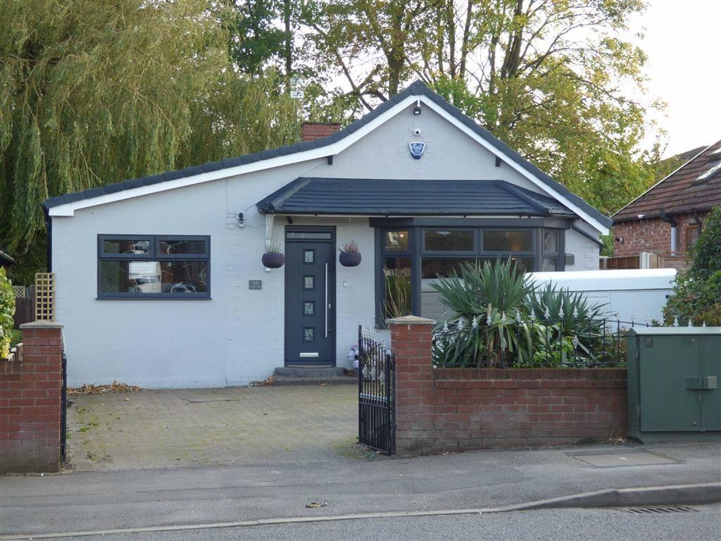 2 Bedrooms Detached Bungalow for sale in Turves Road, Cheadle Hulme