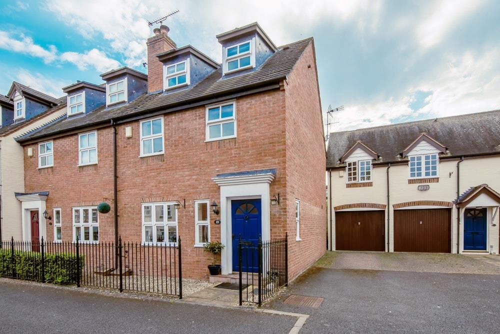 3 Bedrooms House for rent in The Croft, Henley-In-Arden
