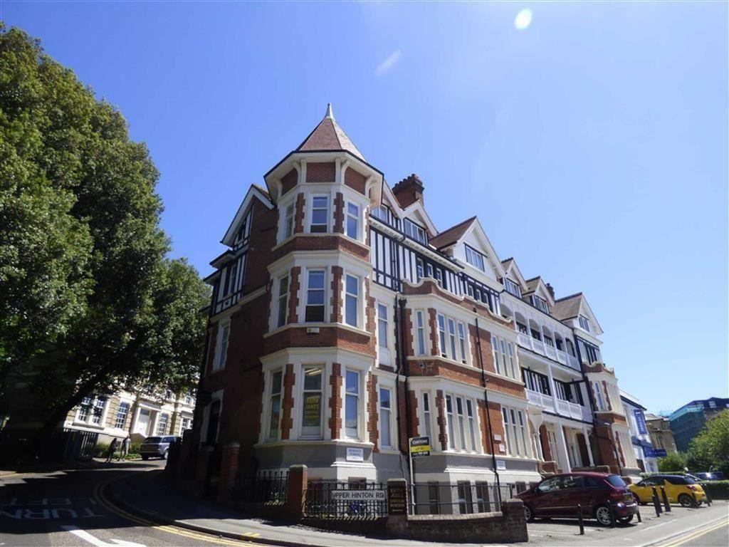 3 Bedrooms Flat for rent in Hinton Road, Town Centre, Bournemouth, Dorset, BH1