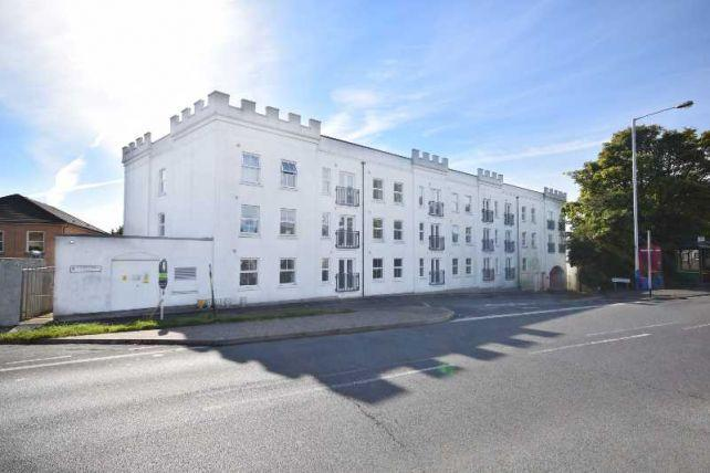 1 Bedroom Apartment Flat for sale in Imperial Court, Castle Hill, Douglas, IM2 4AA