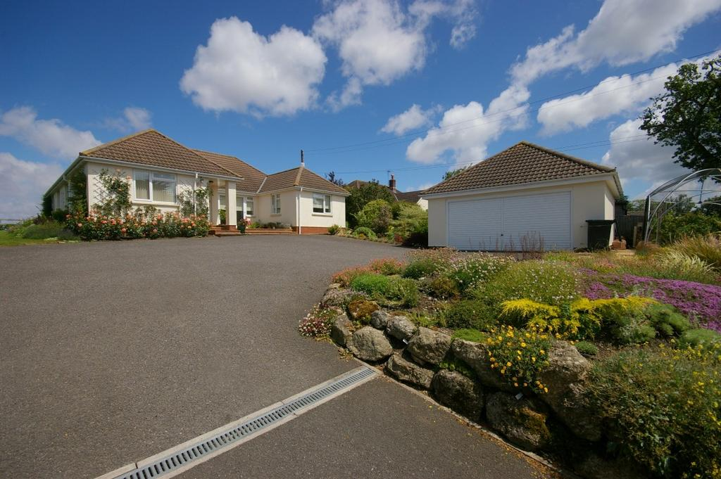 4 Bedrooms Detached Bungalow for sale in Five Bells, Watchet, Somerset