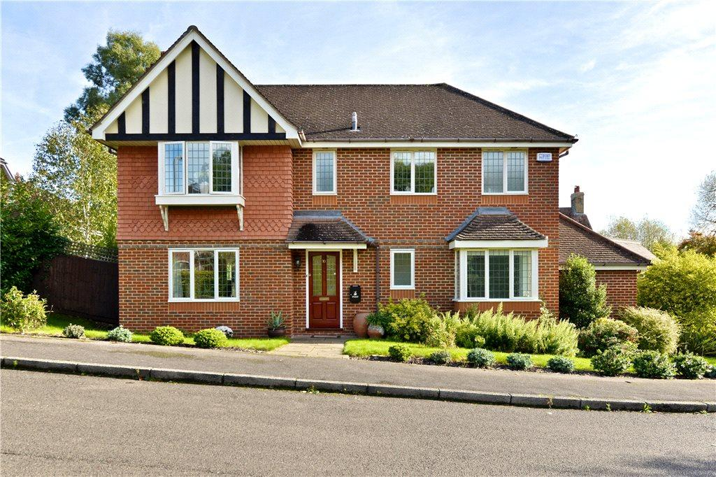 5 Bedrooms Detached House for sale in Millholm Rise, Simpson, Milton Keynes, Buckinghamshire