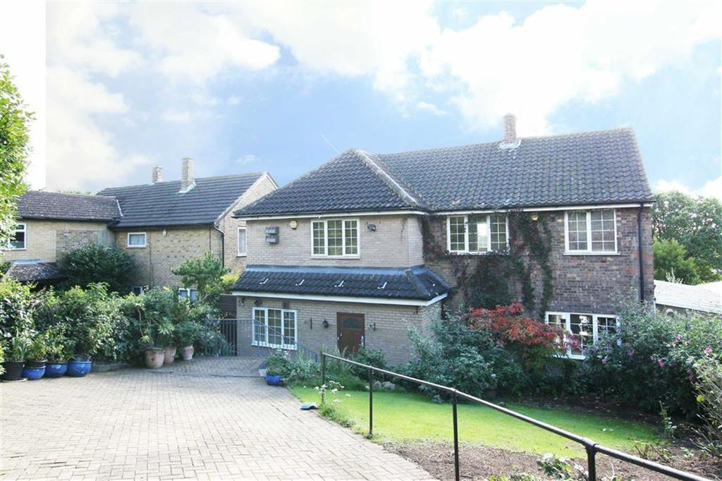 4 Bedrooms Detached House for sale in Wise Lane, Mill Hill, London