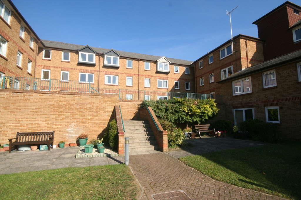 2 Bedrooms Retirement Property for sale in Ground floor, Hartfield Court, Ware