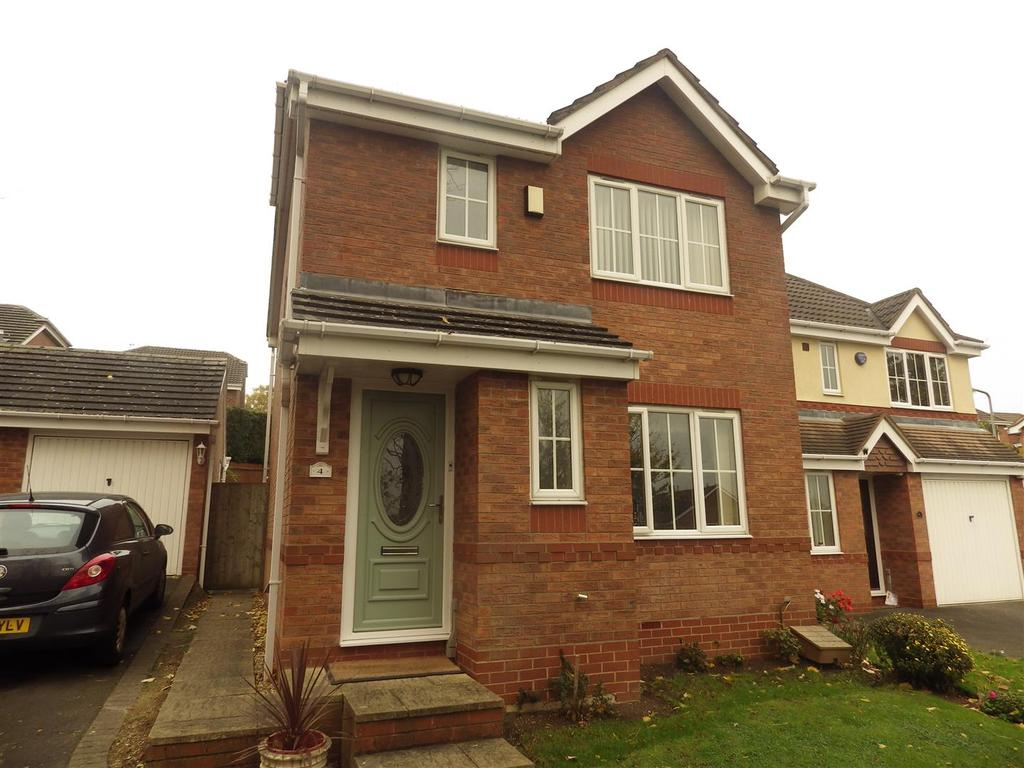3 Bedrooms Detached House for sale in Old School Drive, Rowley Regis