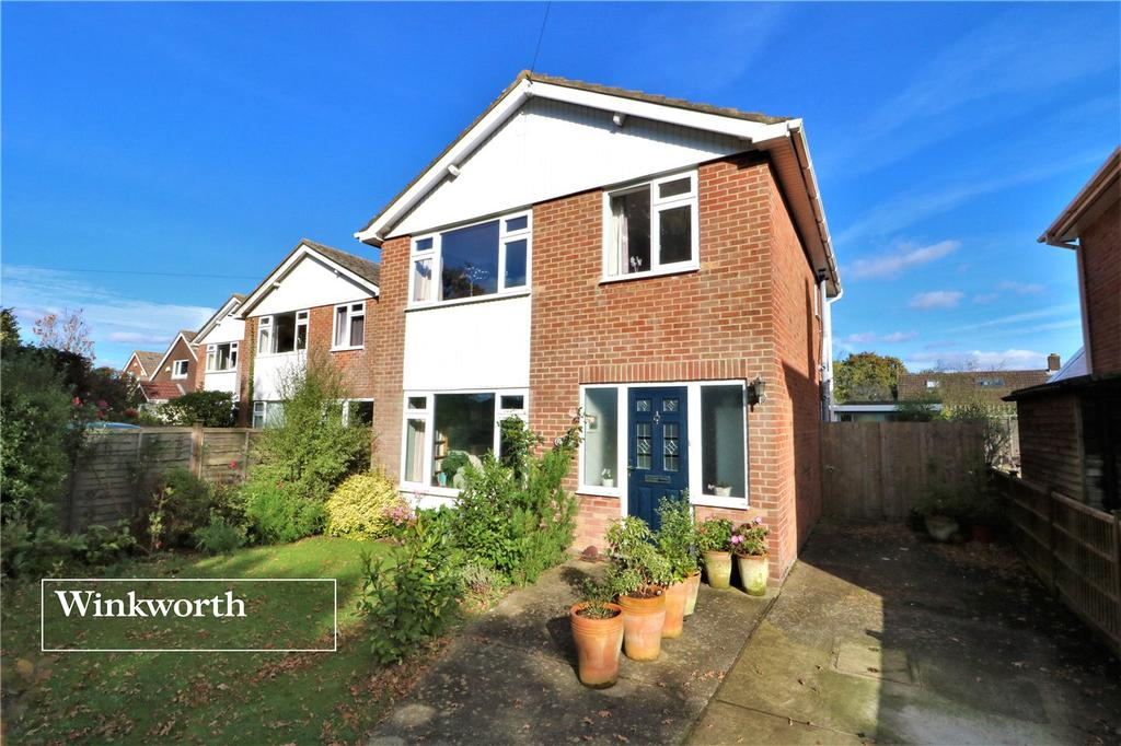3 Bedrooms Detached House for sale in Vicarage Lane, Hordle, Lymington, Hampshire, SO41