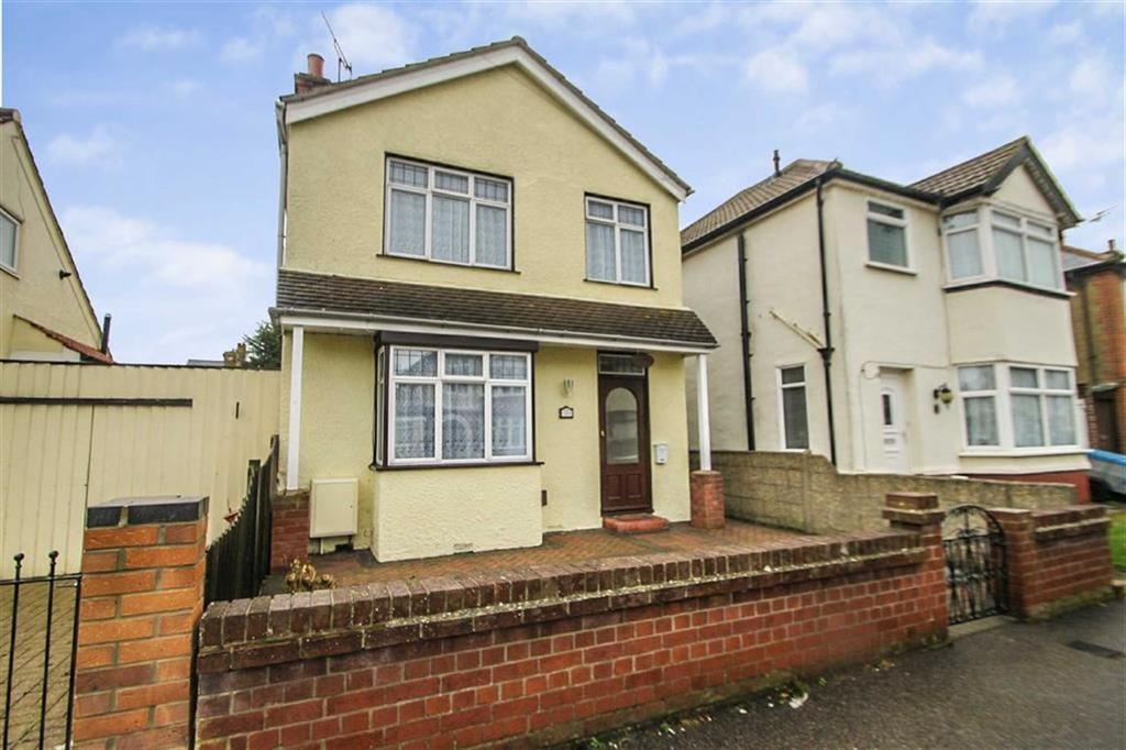3 Bedrooms Detached House for sale in Astley Road, Clacton-on-Sea
