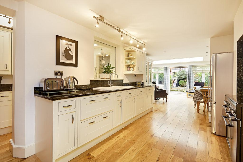 6 Bedrooms Terraced House for sale in MacFarlane Road, Shepherds Bush, London, W12