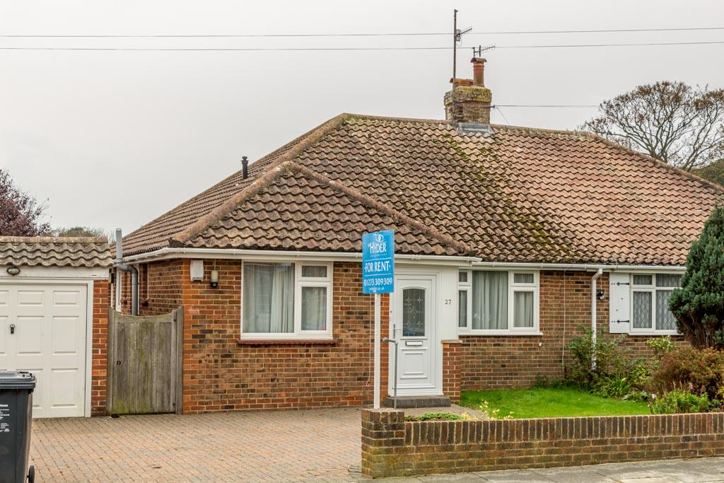 2 Bedrooms Semi Detached Bungalow for rent in Meadow Close, Rottingdean, Brighton BN2
