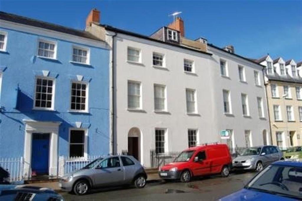 2 Bedrooms Flat for rent in Haverfordwest