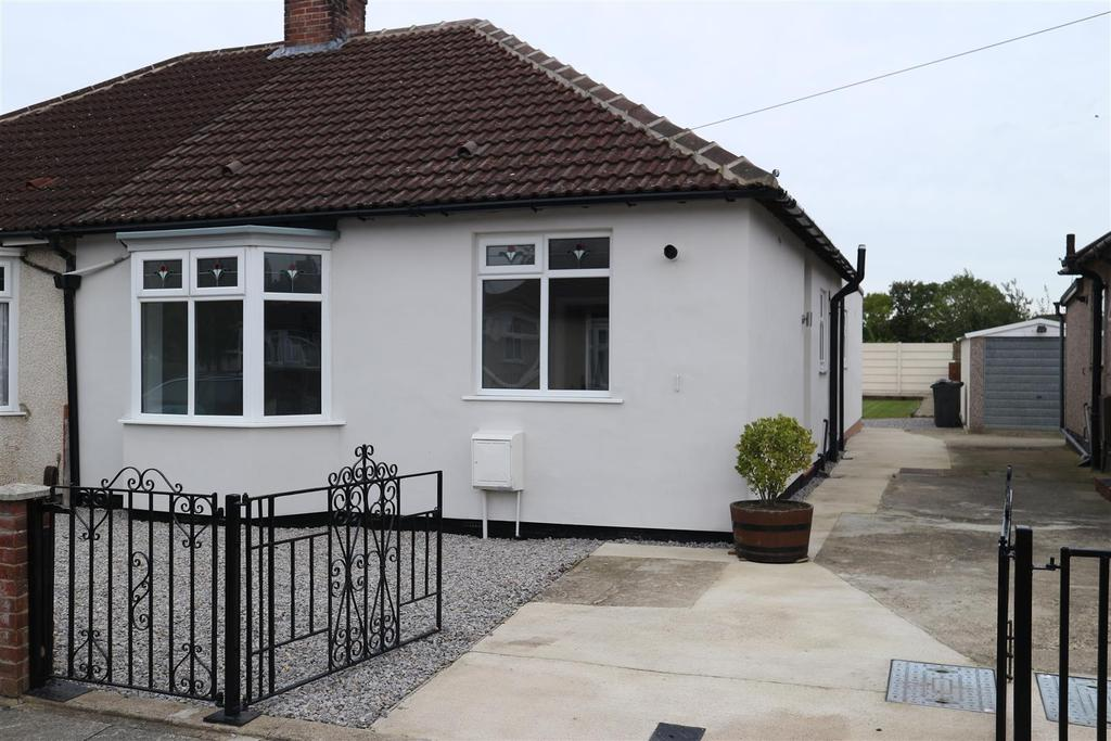 3 Bedrooms Semi Detached House for sale in The Byway, Darlington