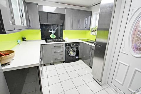 2 bedroom semi-detached house for sale - Peveril Road, Peterborough