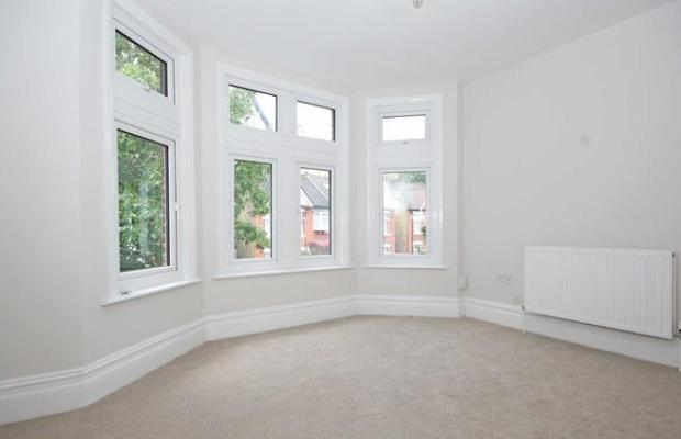 2 Bedrooms Flat for sale in Craven Avenue, Ealing