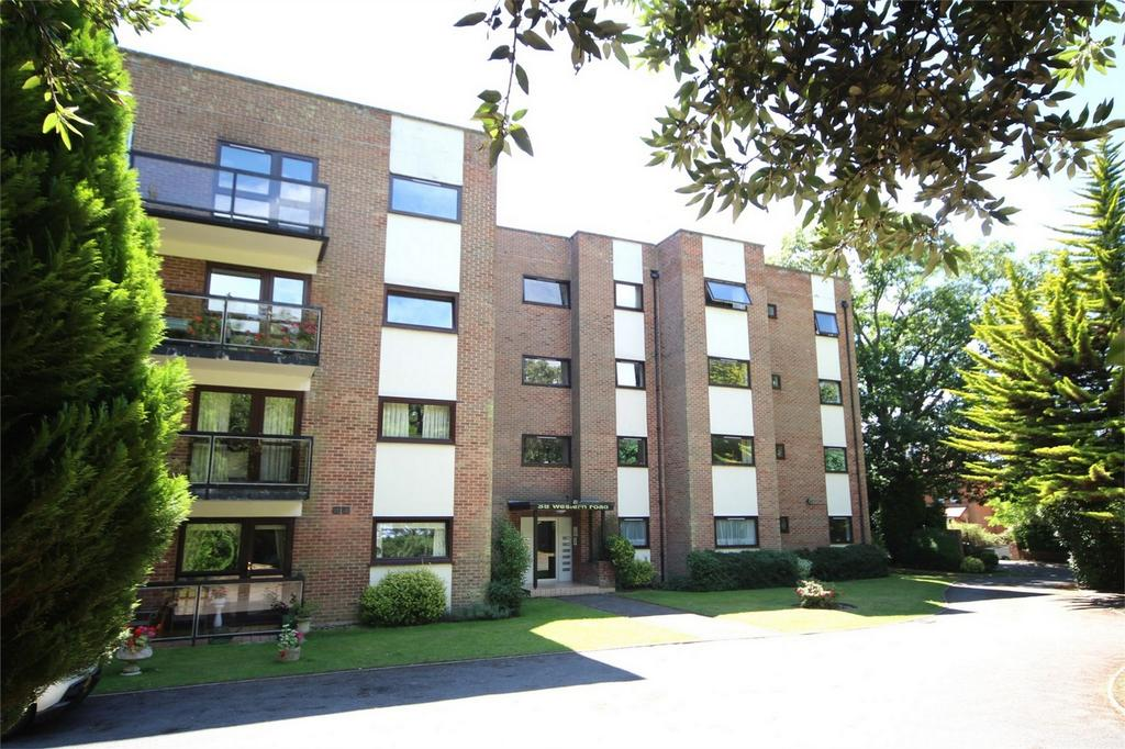3 Bedrooms Flat for sale in Dene Lodge, 38 Western Road, POOLE, Dorset