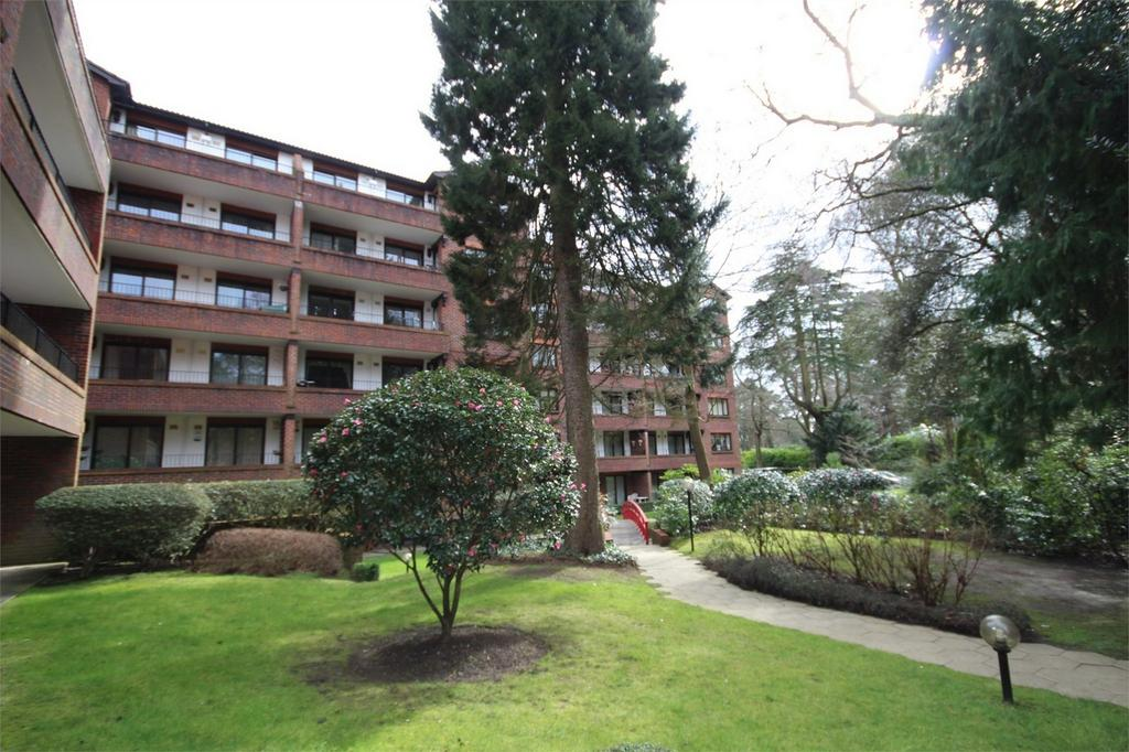 2 Bedrooms Flat for sale in The Oasis, 45 Lindsay Road, Branksome Park, Poole, Dorset