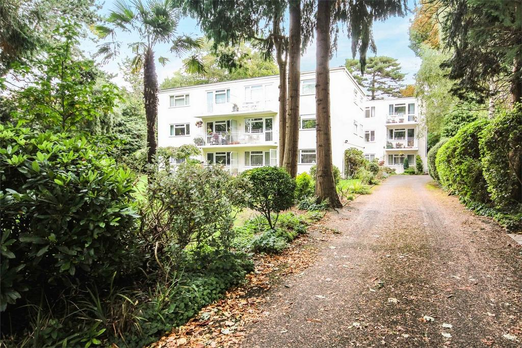 3 Bedrooms Flat for sale in 9 Portarlington Road, Westbourne, Bournemouth, Dorset