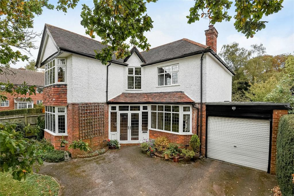 4 Bedrooms Detached House for sale in Hiltingbury Road, Chandler's Ford, Hampshire