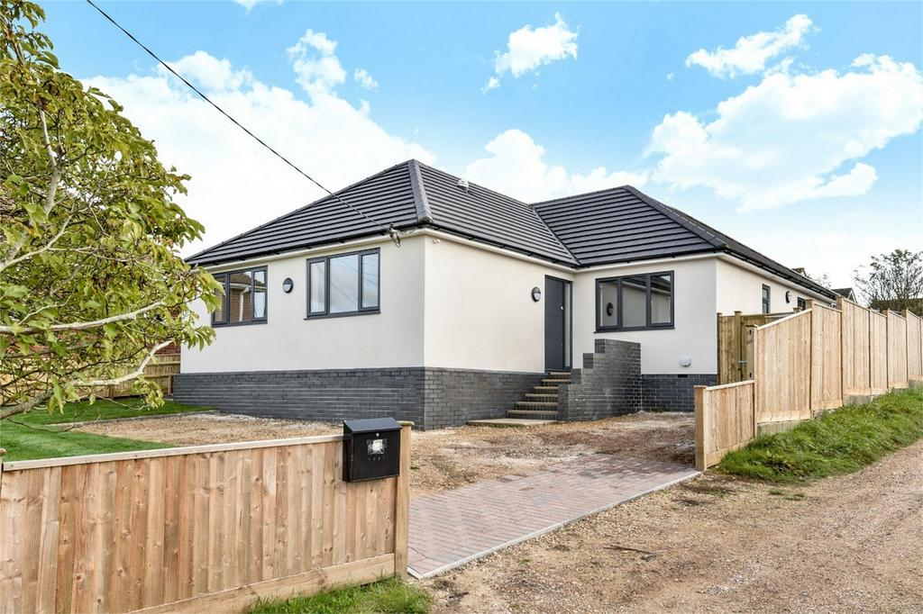 4 Bedrooms Detached Bungalow for sale in Oliver's Battery, Winchester, Hampshire