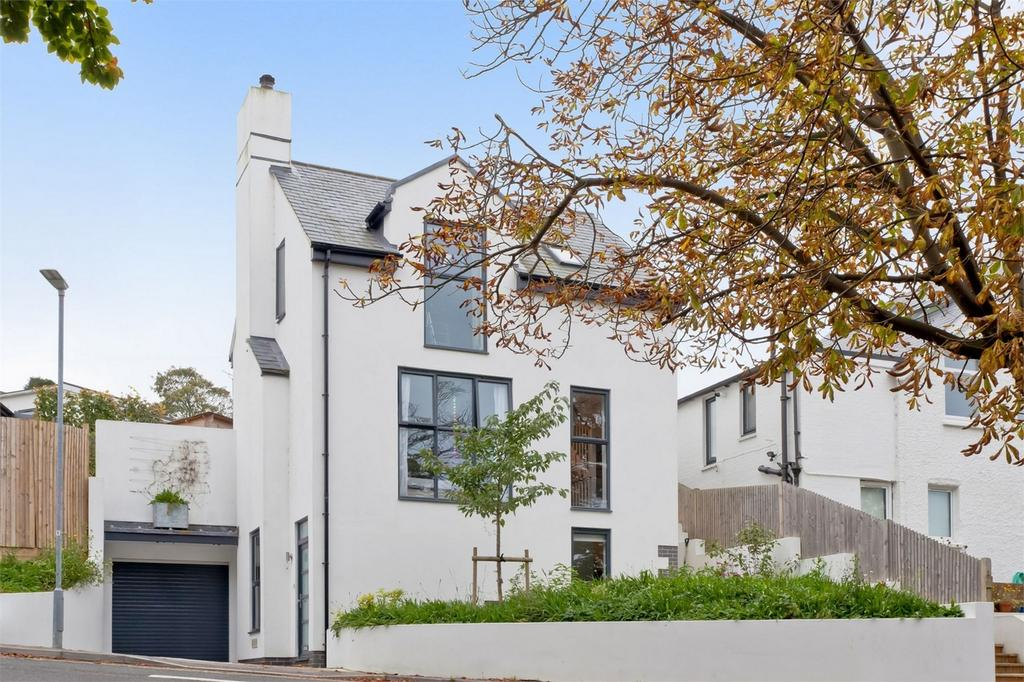 4 Bedrooms Detached House for sale in South Way, Lewes, East Sussex