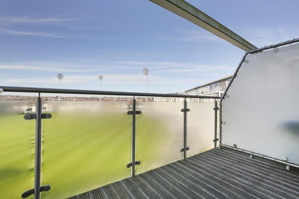 Balcony ()