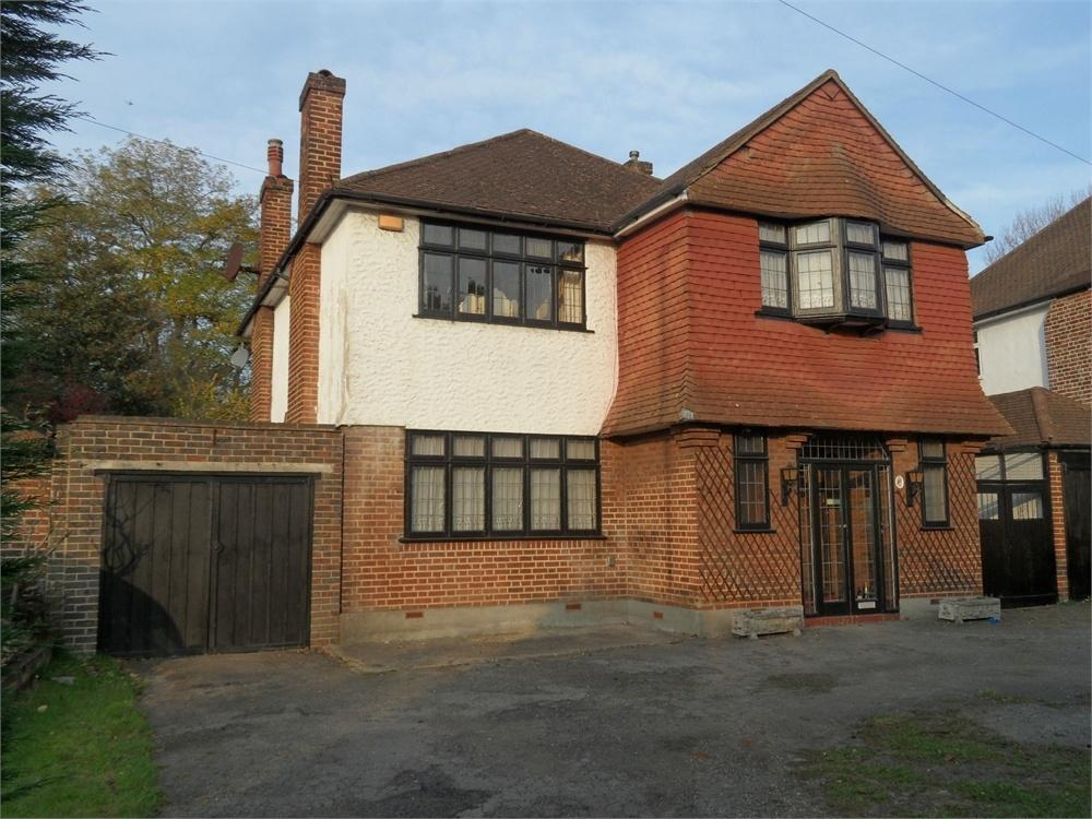 4 Bedrooms Detached House for sale in Riefield Road, Eltham, London