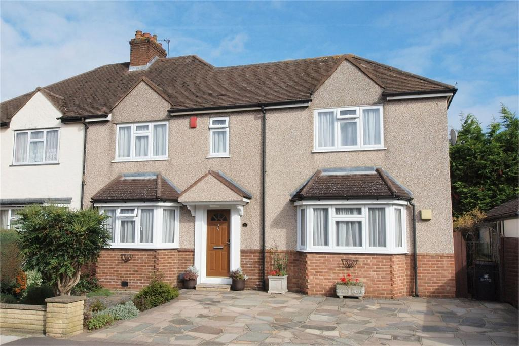 3 Bedrooms Semi Detached House for sale in Pittsmead Avenue, Hayes, Bromley, Kent