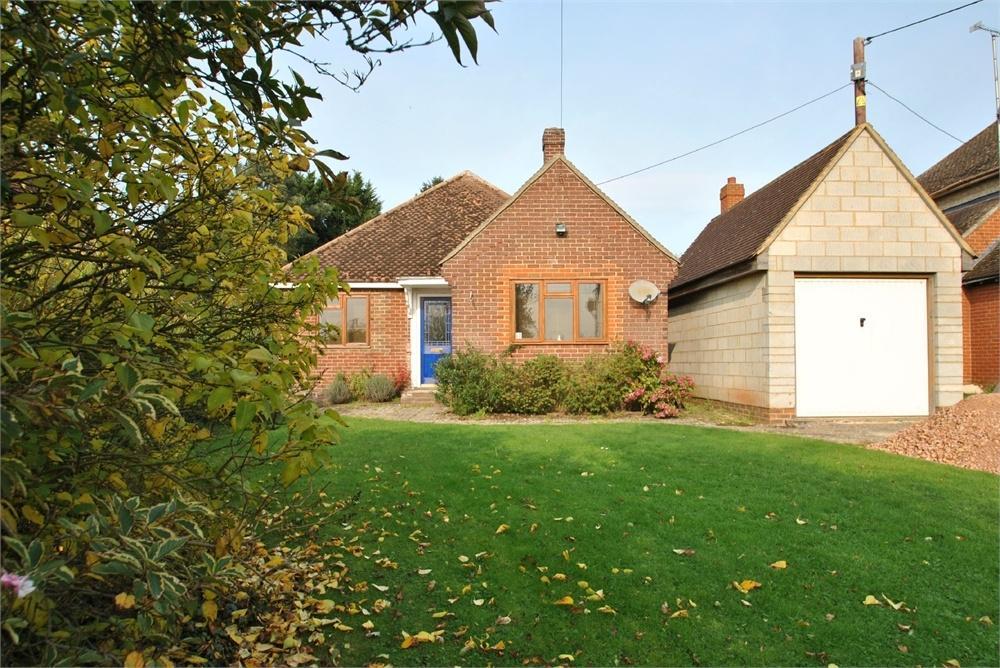4 Bedrooms Detached Bungalow for sale in Halstead Road, High Garrett, Braintree, Essex