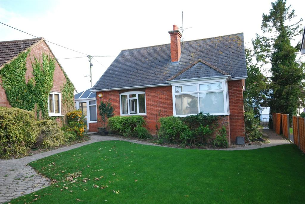 4 Bedrooms Detached House for sale in Chalk Hill, Shrewton, Salisbury, Wiltshire, SP3