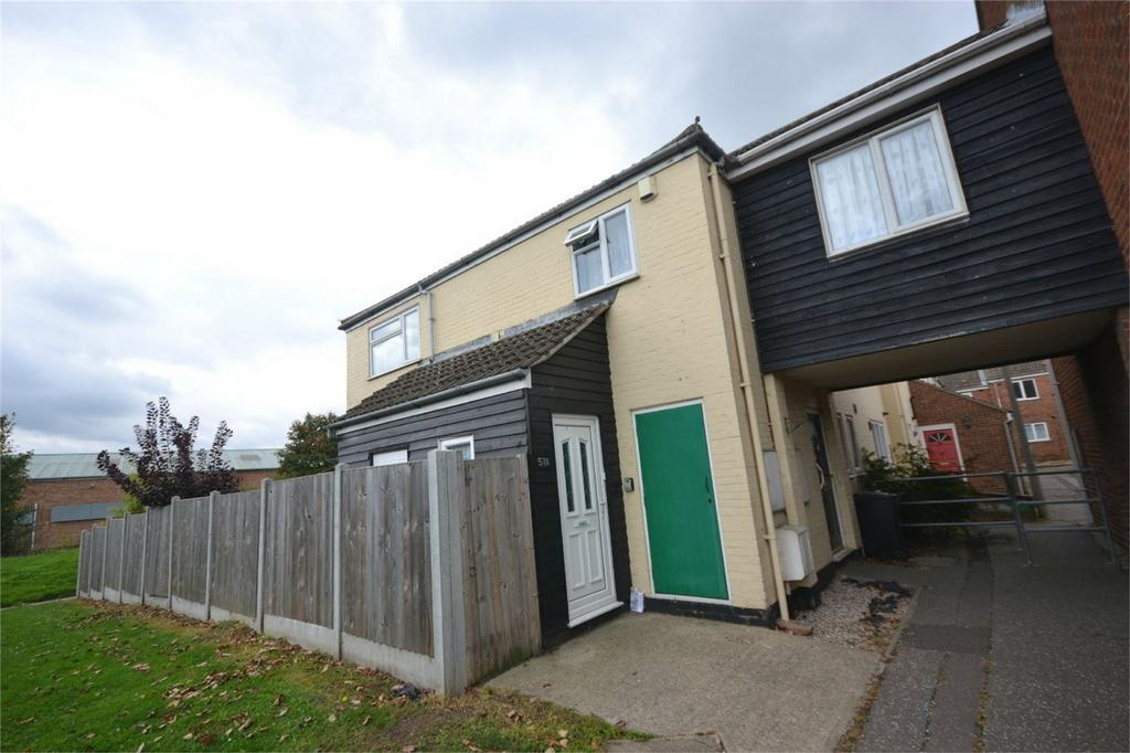 3 Bedrooms Maisonette Flat for sale in Hunt Avenue, Heybridge, Maldon, Essex