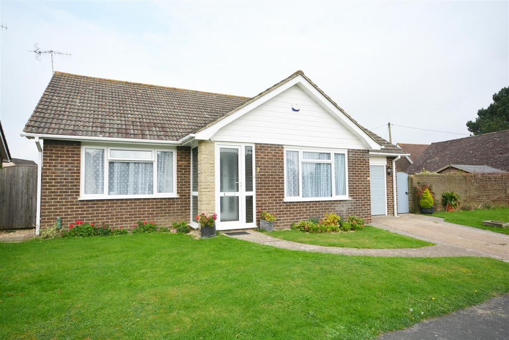 2 Bedrooms Detached Bungalow for sale in Downs View, Ninfield