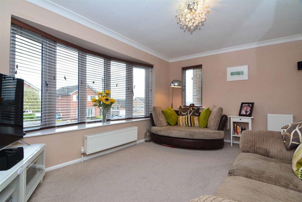 3 Bedrooms Detached House for sale in Blackwood Gardens, Cookridge