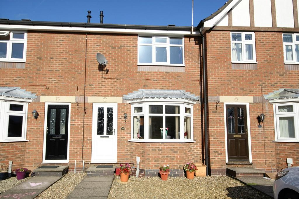 2 Bedrooms Terraced House for sale in Carlton Rise, Beverley, East Riding of Yorkshire