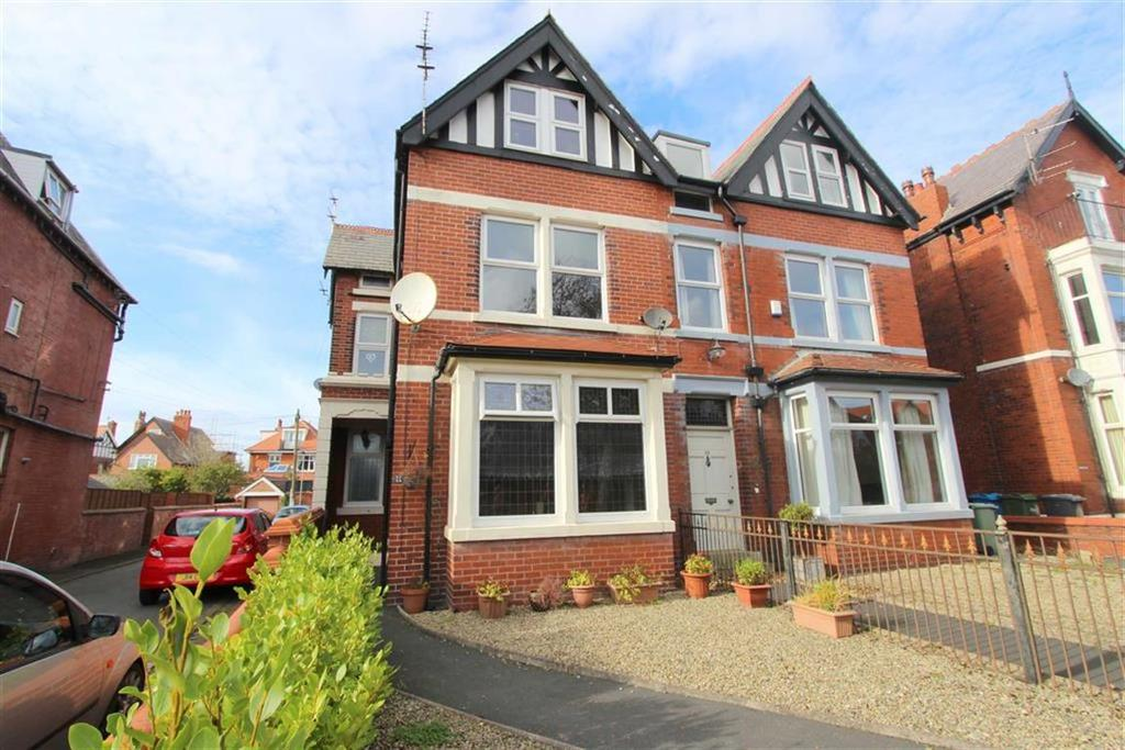 5 Bedrooms Semi Detached House for sale in Victoria Road, Lytham St Annes, Lancashire