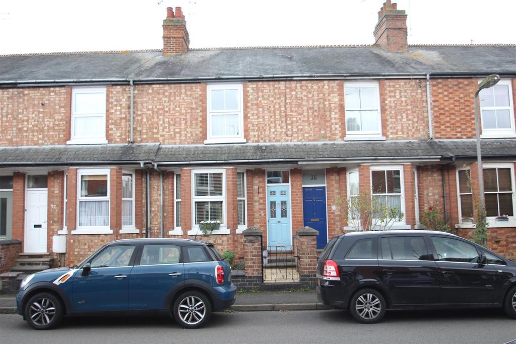 3 Bedrooms Terraced House for sale in Clarence Road, Stony Stratford, Milton Keynes