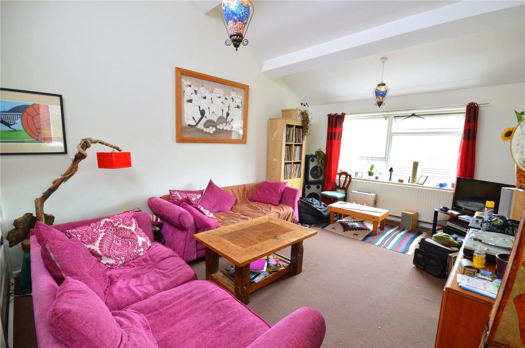 3 Bedrooms Apartment Flat for sale in St Patricks Court, Linnet Close, Cardiff, CF23