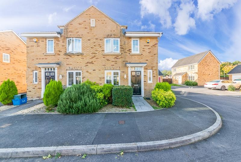 3 Bedrooms Semi Detached House for sale in Schooner Avenue, Newport, Newport. NP10 8EY