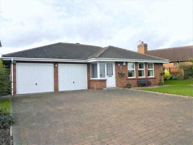 2 Bedrooms Detached Bungalow for sale in Greenacres,Walmley,Sutton Coldfield