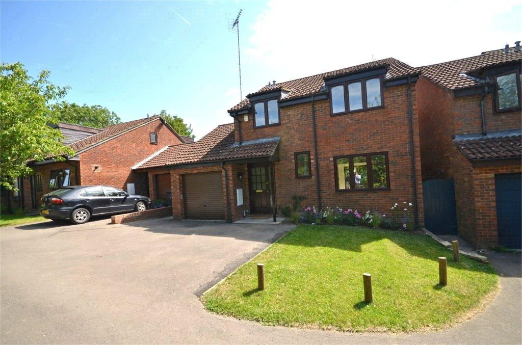 4 Bedrooms Detached House for sale in Cambrian Way, Calcot, Reading, Berkshire, RG31