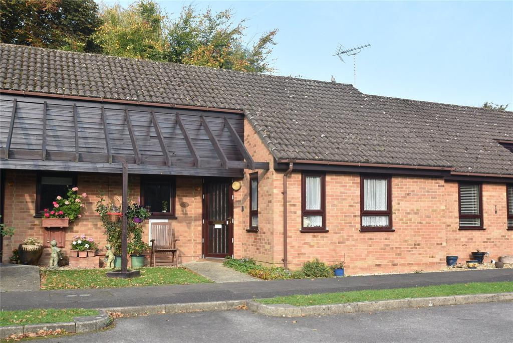 1 Bedroom Retirement Property for sale in Heath Court, Baughurst, Tadley, Hampshire, RG26