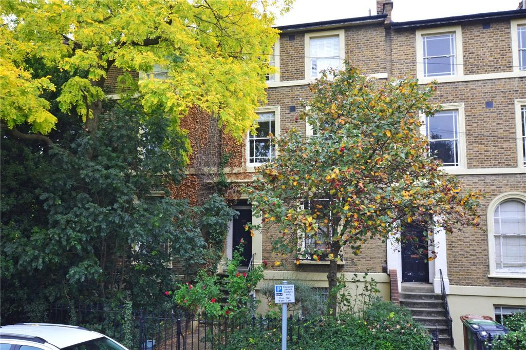2 Bedrooms Maisonette Flat for sale in Dacre Park, Lewisham, London, SE13