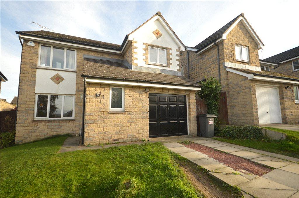 4 Bedrooms Detached House for sale in Crofters Lea, Yeadon, Leeds, West Yorkshire