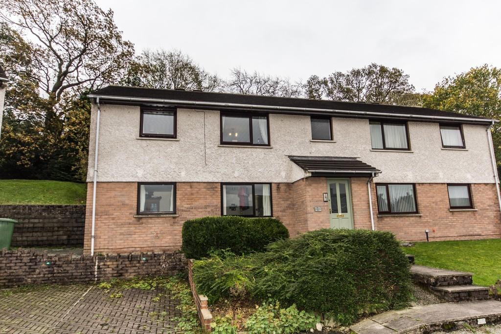 2 Bedrooms Flat for sale in 19A Bleaswood Road, Oxenholme