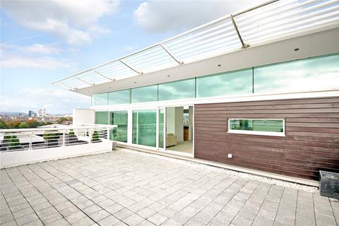 2 bedroom penthouse for sale - Havannah Street, Cardiff, CF10