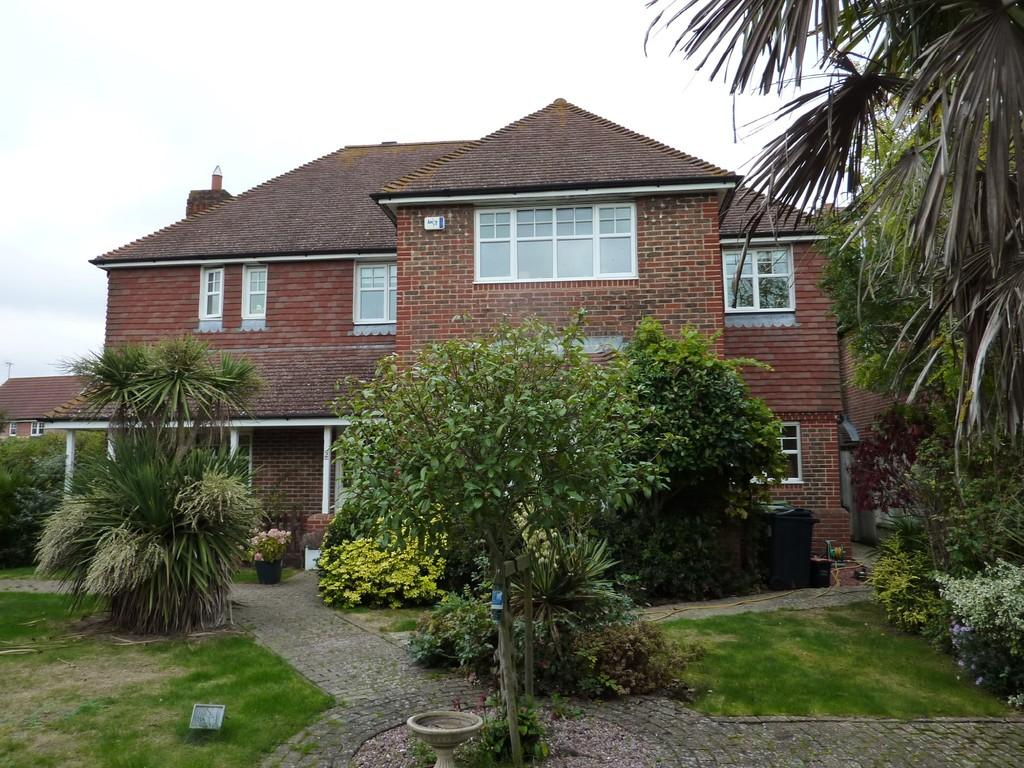 5 Bedrooms Detached House for sale in Staplehurst, Kent